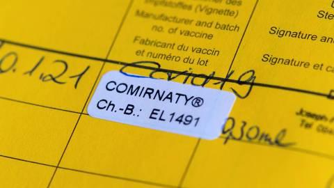Geimpft und geschützt? Liegen mehr als 42 Tage zwischen den Impfterminen mit Comirnaty, gibt es dazu noch keine Daten.  Foto: dpa