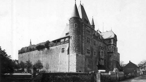 Die Nord-Ost-Seite des wiederaufgebauten Schlosses in den 1920er/1930er Jahren. Foto: Sammlung Steinmetz
