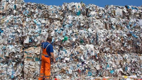 Laut einer Studie des Bundesverbands Paket und Expresslogistik wurden 2017 in Deutschland 3,3 Milliarden Pakete ausgeliefert. Foto: Patrick Pleul/dpa