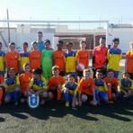 Die Kicker aus Weilbach und Spanien beim Gruppenbild.Foto: Maika Ehry  Foto: Maika Ehry