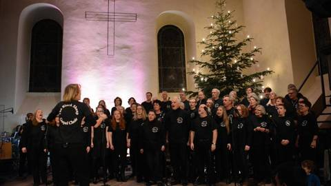 Bad Schwalbach Black Sheep Gospel Choir Bringt Bewegung In Die