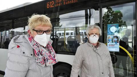 Im Bus sind nur FFP2-Masken erlaubt, ab Sonntag könnte sich das ändern. Foto: Thomas Schmidt