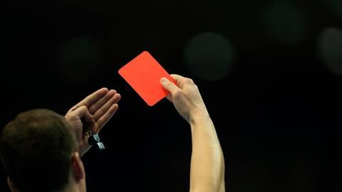 Neuer Schiedsrichter braucht der Hessische Handball-Verband. foto: dpa