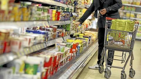 Obwohl das Sonntagsverkaufsverbot aufgehoben ist, bleiben viele Märkte am siebten Tag der Woche zu. Foto: dpa