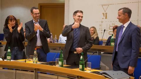 Im Amt Bestätigt Dennis Grieser Bleibt Bürgermeister Von Rüsselsheim