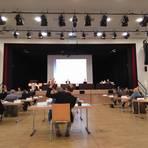 Bühne frei für Dieburgs neues Stadtparlament in der Römerhalle. Foto: Reinhard Jörs