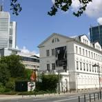Zwischen der Oper Frankfurt und dem Main liegt das jüdische Museum. Foto: Bastian Thüne