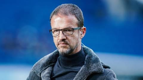 Ablösesummen sind mittlerweile nicht nur für Spieler fällig. Auch Fußball-Funktionär Fredi Bobic hat im Poker zwischen Eintracht Frankfurt und Hertha BSC ein Preisschild angeklebt. Foto: dpa