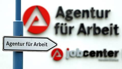 Anhaltend robust zeigt sich der Arbeitsmarkt in Rhein-Main. Das geht vor allem auf die Industrie zurück. Foto: dpa