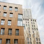 """Holzhochhäuser wie das """"HoHo"""" in Wien könnten auch in Deutschland bald häufiger zu sehen sein. Foto: dpa"""