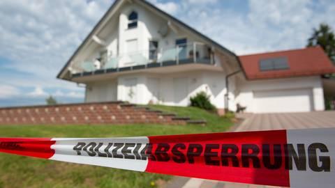 Der CDU-Politiker Walter Lübcke war Anfang Juni auf der Terrasse seines Wohnhauses im nordhessischen Wolfhagen bei Kassel mit einem Kopfschuss getötet worden. Der Generalbundesanwalt geht von einem rechtsextremen Hintergrund aus. Foto: dpa