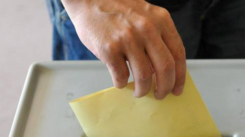 In Wiesbaden sind am 14. März 210.635 Bürgerinnen und Bürger zur Wahl aufgerufen. Symbolfoto: dpa