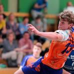 Wann kann die Handball-Jugend - hier Henry Gottron, der mittlerweile in den Oberliga-Kader der HSG Breckenheim Wallau/Massenheim aufgerückt ist - wieder spielen? Archivfoto: rscp/Frank Heinen