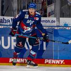 Für Mannheims Topscorer und Nationalspieler David Wolf ist die Saison vorzeitig beendet. Foto: AS Sportfoto / Sörli Binder