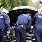 Polizisten zogen am Karfreitag in Mittelhessen etliche illegal getunte Autos aus dem Verkehr. Archivfoto: Caroline Seidel