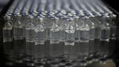 Den Verfahren zur Verteilung der Impfstoffe an Arztpraxen mangelt es an Transparenz.  Symbolfoto: dpa