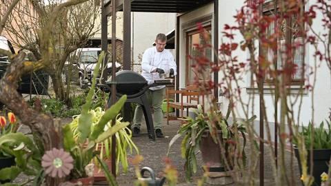 Das Restaurant mit Grill-Station kommt zu den Kunden nach Hause. Foto: Achim Meurer