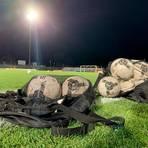 Mindestens bis Jahresende wird der Ball im hessischen Fußball nicht mehr rollen.   Foto: René Weiss