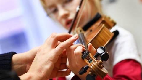Mit der Lockerung dürfen auch Musikschulen in Hessen wieder öffnen. Symbolfoto: dpa