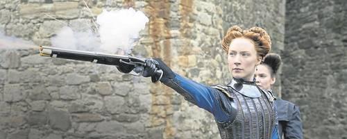 Eine Frau zielt auf die Macht: Saoirse Ronan als Maria StuartFoto: Universal