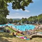 Leser Jan Bättenhausen startet eine Spendenaktion, die nun dem Förderverein des Niedernhausener Waldschwimmbads zugutekommt. Foto: Lukas Görlach