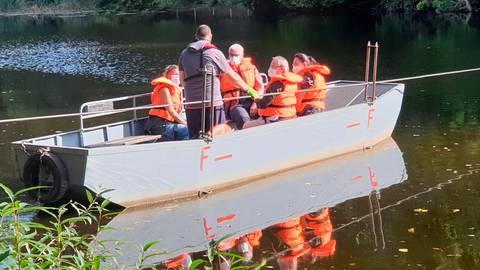 Mit dem Rollschiff geht es bei der Roman-Führung auf die andere Seite der Lahn. Foto: Sabine Gorenflo