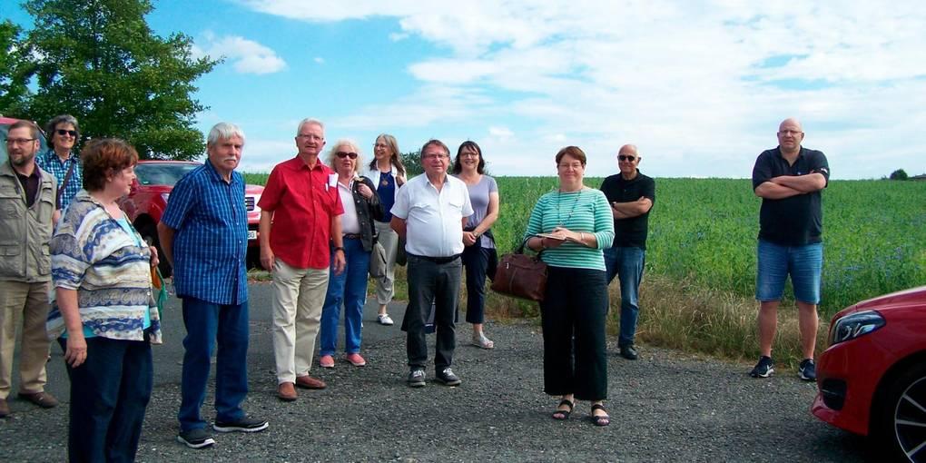 Die Ferienfraktion der SPD schaut sich um Gewerbegebiet-Nord um. Foto: Mony