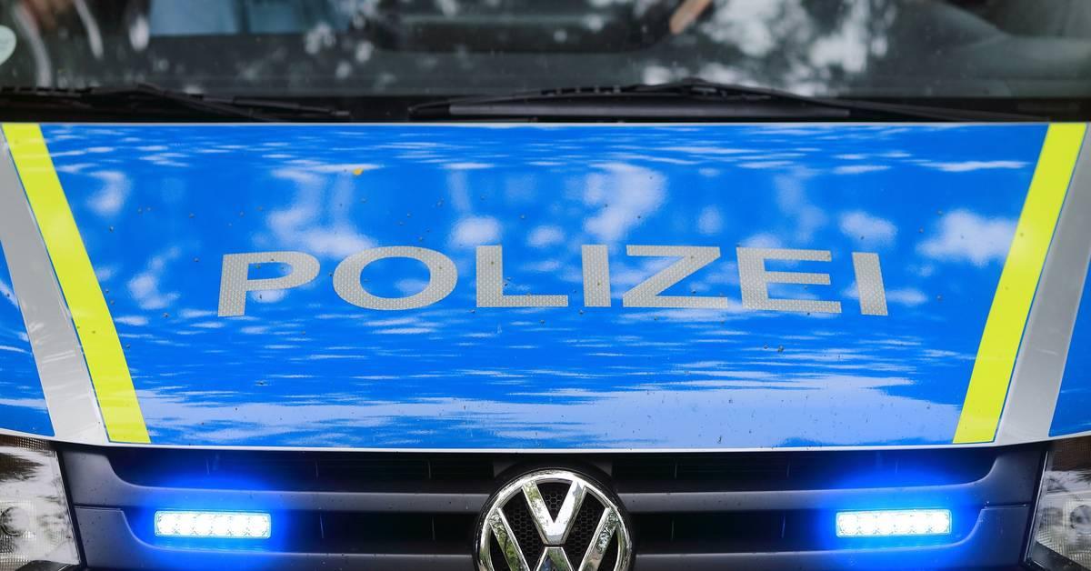 Mutmaßlich bewaffneter Fahrgast in Bus: A9 voll gesperrt