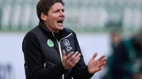 Noch in Wolfsburg. Doch Oliver Glasner wird bei vielen anderen Vereinen als neuer Trainer gehandelt – auch bei der Eintracht. Foto: dpa