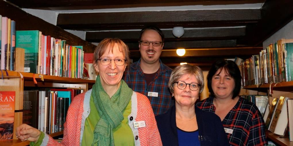 Das Team der Stadtbücherei (v.l.): Leiterin Stefanie Schlosser, Maik Apfelbaum, Vera Getmann und Kathrin Nickel. Foto: Stadt Herborn