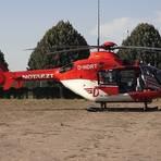 Auch ein Rettungshubschrauber war am Badesee in Bensheim im Einsatz.  Foto: Keutz TV