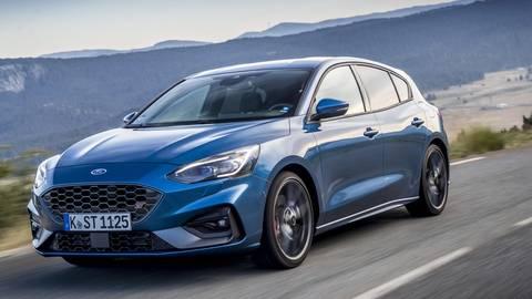Die Farbe Ford Performance-Blau ist – ebenso wie Tropical Orange – innerhalb der Focus-Baureihe exklusiv dem ST vorbehalten. Foto: Auto.medienportal.net/Frank Wald