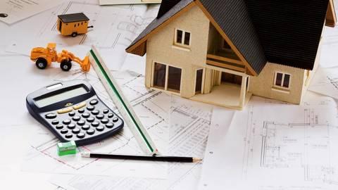 Die neuen Regelungen betreffen in erster Linie klassische Bauverträge, also Häuslebauer auf eigenem Grundstück. Foto: dpa  Foto: dpa