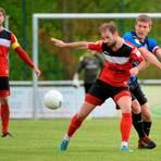 Patrick Schaaf (rechts) und die SG Barockstadt Fulda-Lehnerz könnten trotz Saisonannullierung der Hessenliga in die Regionalliga aufsteigen. Archivfoto: Martin Weis