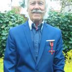Der sichtlich stolze Günter Stichel mit dem angehefteten  Bundesverdienstorden. Foto: Sabine Schmidt