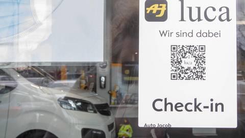 Während einer Testphase haben sich Kunden, Gewerbetreibende und das Gesundheitsamt vom Nutzen der Luca App überzeugen können. Archivfoto: Vollfotmat/Volker Dziemballa