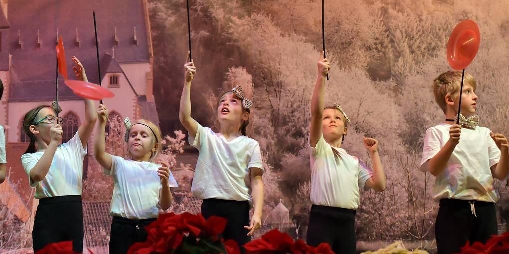 Weihnachtsfeier Zirkus.Stimmungsvolle Senioren Weihnachtsfeier In Der Schlossberghalle