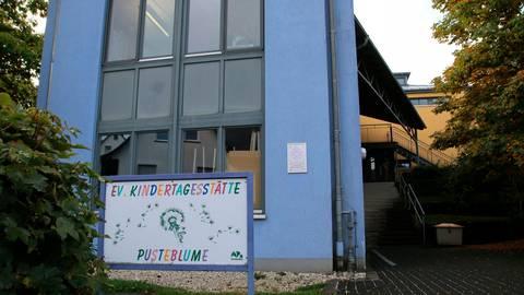 """Die Erweiterung der Kindertagesstätte """"Pusteblume"""" wäre aus Sicht der Bürgerinitiative eine wirklich bedarfsgerechte Lösung für die fehlenden Kita-Plätze in Eibelshausen.  Foto: Frank Rademacher"""