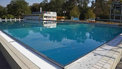 Noch fehlen die Badegäste, doch das Mörfelder Waldschwimmbad ist vorbereitet. Foto: VF/Friedrich