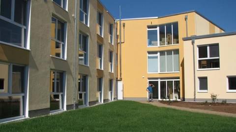 Das neue Wohnheim bietet 72 stationäre Pflegeplätze und 15 Plätze für die Tagespflege.Foto: Schäfer  Foto: Schäfer