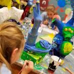 """Mit den """"LandKulturPerlen"""" soll besonders kulturelle Bildung für Kinder und Jugendliche gefördert werden. Dafür können sich auch Initiativen aus dem Landkreis Limburg-Weilburg bewerben. Symbolfoto: Foto: Frank Leonhardt dpa"""