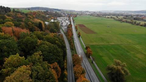 Die B49 bei Solms wird am Samstag in Richtung Limburg gesperrt. Archivfoto: Pascal Reeber