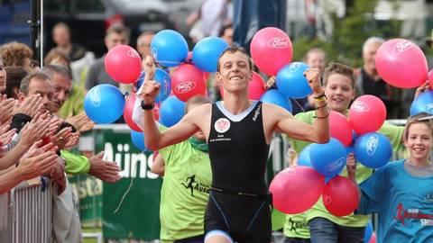 Als Sieger hat Uwe Drescher (hier bei einem früheren Sieg beim Moret-Triathlon) großen Anteil daran, dass der DSW Darmstadt beim Regionalliga-Auftakt Dritter wurde.Archivfoto: Thomas Zöller   Foto: