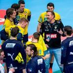 Löwen-Trainer Martin Schwalb findet beim Europa-League-Spiel in Našice die richtigen Worte.  Foto: Imago/Davor Javorovic