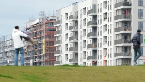 Der Bedarf an Wohnraum in der Region steigt.  Symbolfoto: dpa/Archiv