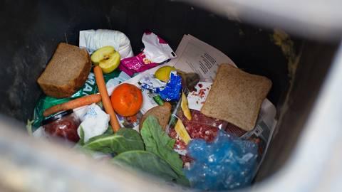 Unsere Daten zeigen, wie viel Müll in Deutschland im Durchschnitt pro Kopf produziert wird. Foto: dpa