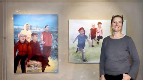Die Darmstädter Malerin Ulrike Rothamel zeigt ihre Bilder ab heute im Künstlerkeller im Darmstädter Schloss. Foto: Andreas Kelm