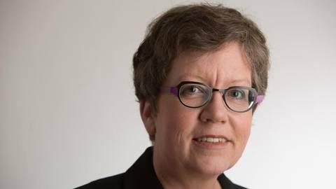 Barbara Vogt ist Expertin für die  Geschichte des Wiesbadener Kurparks. Foto: Helmut Seuffert  Foto: Helmut Seuffert