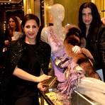 Laila Hamidi und ich in der neuen Boutique von Miu Miu.