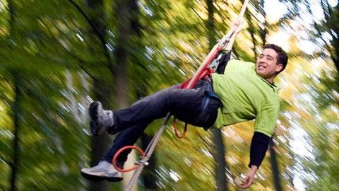 Ein Highlight ist der Tarzansprung aus zehn Metern Höhe. Foto: Move up GmbH